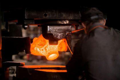 Formations en forge sur la conception des pièces forgées et des outillages, l'analyse des défauts, la métallurgie et les traitements thermiques